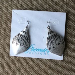 Premier Designs Celine Earrings French Hook Silver